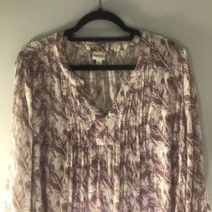 White Maroon Feather Print Flowy Boho 3/4 Sleeve